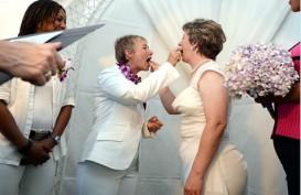 Tolak Berciuman, Sepasang Lesbian di London Diserang 4 Pria