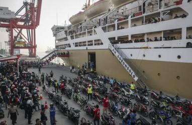 Lima Unit Kapal Laut Arus Balik Bersandar di Tanjung Priok