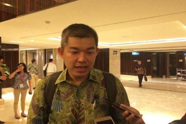 Direktur Keuangan Cikarang Listrindo Christanto Pranata usai rapat umum pemegang saham tahunan di Jakarta, Selasa (16/4/2019). - Bisnis/Muhammad Ridwan