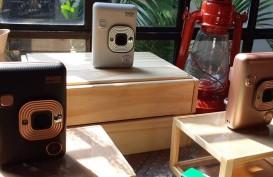Kamera Instax Mini LiPlay Bisa Rekam Suara