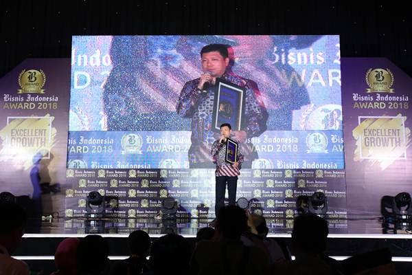 CEO PT Sri Rejeki Isman Tbk (Sritex) Iwan Setiawan Lukminto memberikan sambutan, seusai meraih penghargaan Best CEO 2018 dalam acara Bisnis Indonesia Award 2018 bertema Excellent Growth, di Jakarta, Senin (7/5/2018). - JIBI/Abdullah Azzam