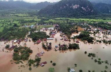 Dihantam Banjir, Jalur Trans Sulawesi Belum Pulih