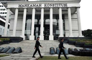 Sidang MK : Rapat 7 Menit Hakim MK yang Mencapai Kompromi
