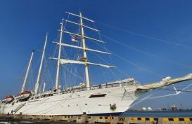 Kapal Pesiar MV Star Clipper Sambangi Pelabuhan Tanjung Emas