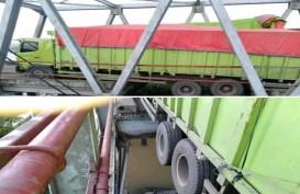 Jembatan Penghubung Jalintim Putus Total, Lalu Lintas Dialihkan ke Tol Kayu Agung