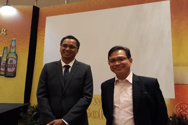 Direktur Delta Djakarta Alan DV Fernandez (kanan) dan Direktur Independen Delta Djakarta Ronny Titiheruw (kiri) usai public expose di Jakarta, Rabu (19/6/2019). - Bisnis/Azizah Nur Alfi