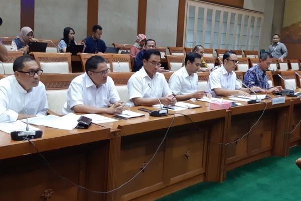 Jajaran Direksi Garuda Indonesia saat menghadiri rapat dengar pendapat dengan Komisi VI DPR RI, Jakarta, Selasa (21/5/2019) - Bisnis/Muhammad Ridwan