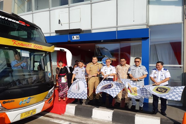 Layanan bus antarkota antarprovinsi (AKAP) Tol Trans-Jawa resmi dioperasikan pada 27 Mei 2019. - Bisnis/Rinaldi M. Azka