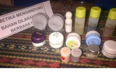Ratusan Komestik Ilegal Disita di Makassar