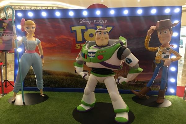 Karakter dalam Toy Story - Akbar Evandio