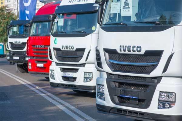 Deretan truk Iveco.  - ANTARA/Shutterstock