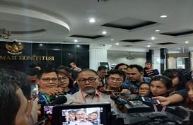 Bambang Widjojanto Beri Hormat pada Saksi Prabowo Berstatus Tahanan Kota