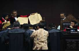SIDANG MK : Mahkamah Tolak Eksepsi Kuasa Hukum KPU dan Jokowi Soal Ini