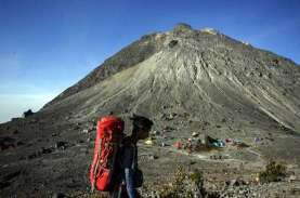 Pengawasan Pendakian Gunung Sindoro Diperketat