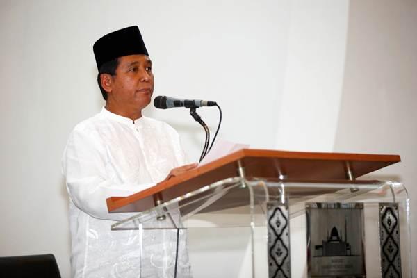 Direktur Utama PT Hotel Sahid Jaya International Tbk Hariyadi B. Sukamdani memberikan sambutan saat acara Bedug Hitting Ceremony Grand Sahid Jaya di Jakarta, Kamis (17/5). - JIBI/Abdullah Azzam