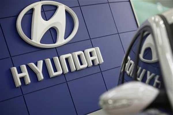 Ilustrasi - Logo Hyundai - Bisnis/Reuters/Lee Jae-won