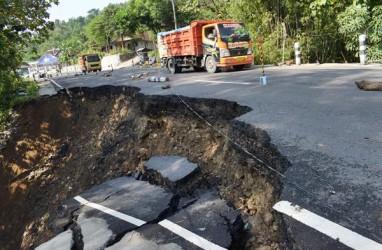Jalan Longsor Di Sigi Belum Diperbaiki