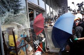 Situasi di Hong Kong Memanas, Demonstran Tuntut RUU…