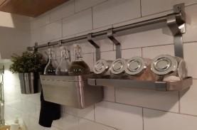 Makin Praktis Dengan Gantungan Multifungsi di Dapur