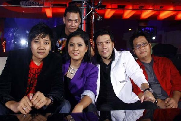 Grup band Base Jam - Istimewa