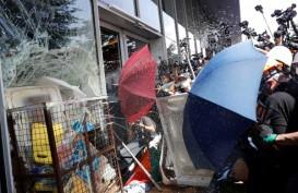 Polisi Tangkap Pendemo di Hong Kong