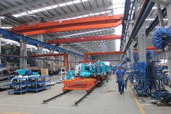 Suasana pabrik Sunward Intelligent Equipment Co., Ltd. (Sunward), di kawasan industri Sunward Intelligent Industrial park, Xingsha, Changsha, China. - Bisnis Indonesia/Akhirul Anwar