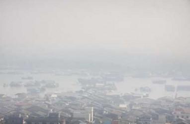 Greenpeace Kritik Rencana Anies Baswedan Bikin Hujan Buatan