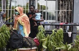 Para Pencari Suaka Masih Tinggal di Sepanjang Trotoar Kebon Sirih