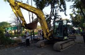 Jasa Marga Tertibkan 27 Lapak Liar di Exit Tol Banyu Urip Surabaya