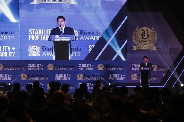 Presiden Komisaris Bisnis Indonesia Hariyadi Sukamdani memberikan sambutan dalam gelaran Malam Anugerah Bisnis Indonesia Award 2019 di Jakarta, Jumat (12/7/2019). - Bisnis/Felix Jody Kinarwan