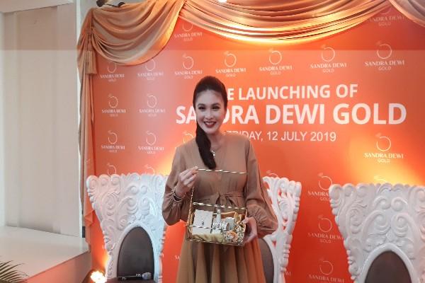 Sandra Dewi - Ria Theresia