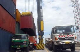 Pelindo III : Crane yang Roboh Ditabrak Kapal Kontainer Diasuransikan