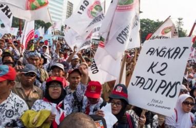 Viral Guru Honorer Banten Tinggal di WC Sekolah, Jusuf Kalla Dorong Guru Honorer Alih Status