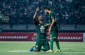 Liga 1 PSM vs Persebaya, Aaron Evans Kawal Amido Baldo
