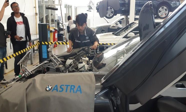 Suasana di pusat servis BMW Astra di Tangerang, Banten, Selasa (16/7/2019) - Aprianus Doni Tolok