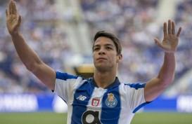 Sevilla Datangkan Pemain Kesembilan, Oliver Torres