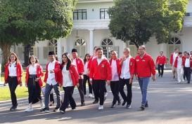 Pengurus PSI Naik Ojek Online Datangi Istana Presiden
