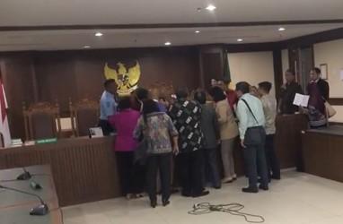Penganiayaan Hakim : Polisi Tangkap Pengacara Tomy Winata