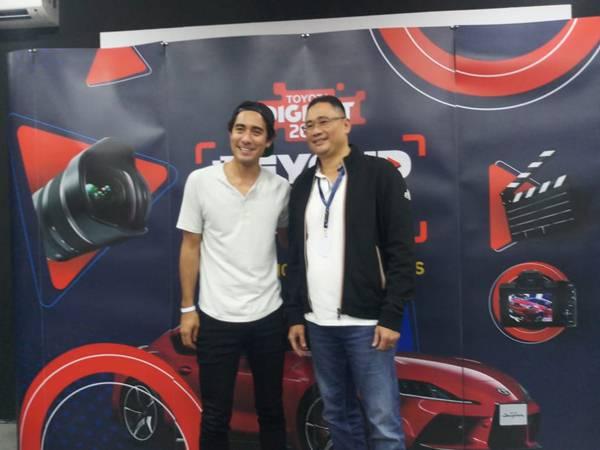 Zach King (kiri) bersama Executive General Manager PT Toyota-Astra Motor Fransiscus Soerjopranoto - Bisnis/Aprianus Doni