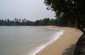 Wisatawan Pesisir Pantai Selatan Lebak Dilarang Berenang di Pantai