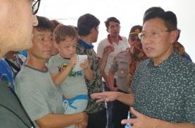 James Riady Kunjungi Para Pengungsi Migran Pencari…