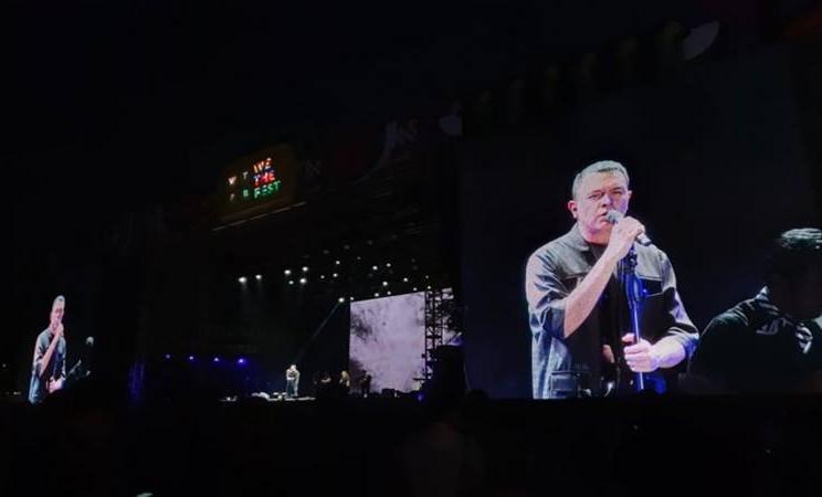 Tulus di We The Fest 2019, Minggu (21/7/2019). - Antara