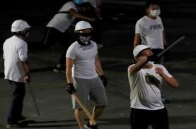 Kemelut Politik Hong Kong, Gangster Serang Warga