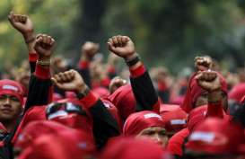 Tolak Putusan, Puluhan Buruh Geruduk Kantor PN Cibinong