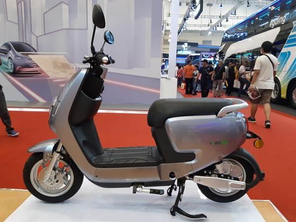 Sepeda motor listrik ecgo : penawaran unik - Bisnis/Rayful Mudassir