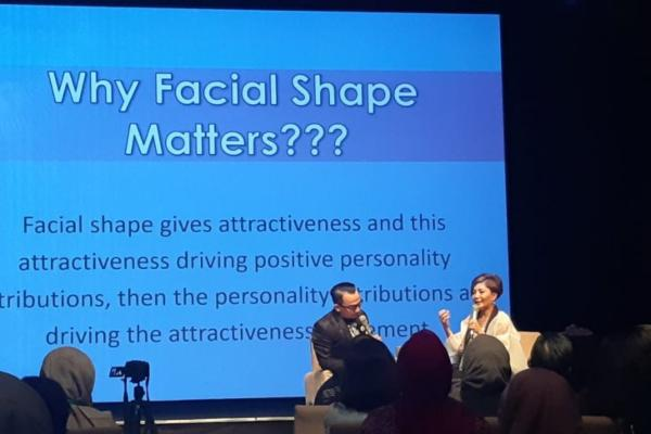 Bincang-bincang mengenai tren mengubah wajah agar tampil menarik dengan dr Lanny Juniarti selaku pemilik klinik kecantikan Miracle. - Antara
