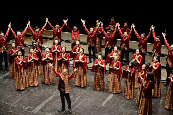 Voca Erudita Paduan Suara Universitas Sebelas Maret ketika tampil di Italia - istimewa