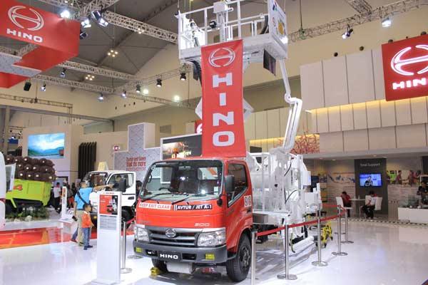 Hino Dutro 130 MDL, truk dispenser hindran di GIIAS 2019. - Foto HMSI