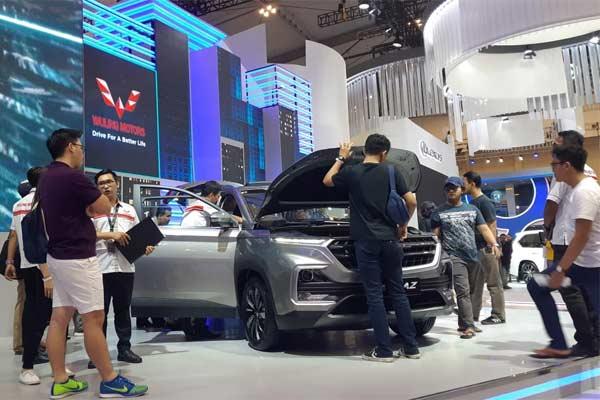 Wuling Almaz di Gaikindo Indonesia International Auto Show (GIIAS) 2019.  - Foto BISNIS.COM/Thomas Mola