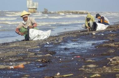 Pesisir Utara Jakarta Terancam Tercemar Minyak dari Karawang